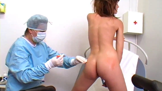 Fetish woman vaccinated against COVID-19 completely naked